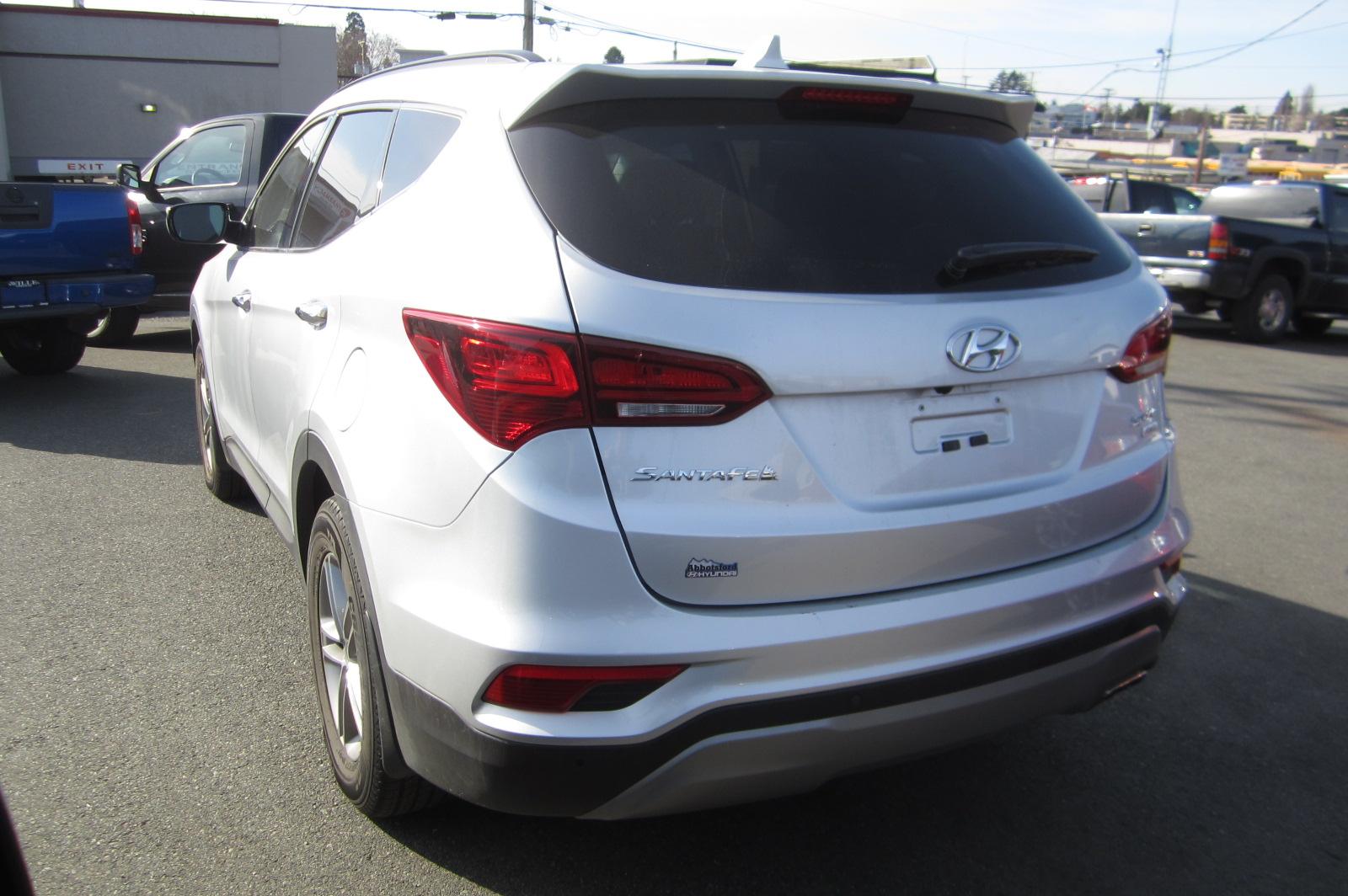 Used 2017 Hyundai Santa Fe in Victoria,BC