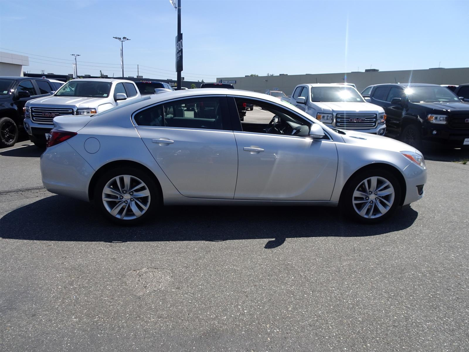 Used 2016 Buick Regal in Langley,BC