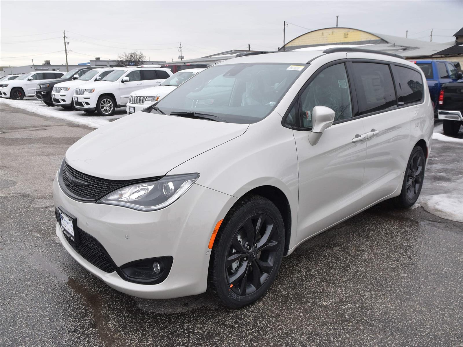 Used 2019 Chrysler Pacifica in Concord,ON