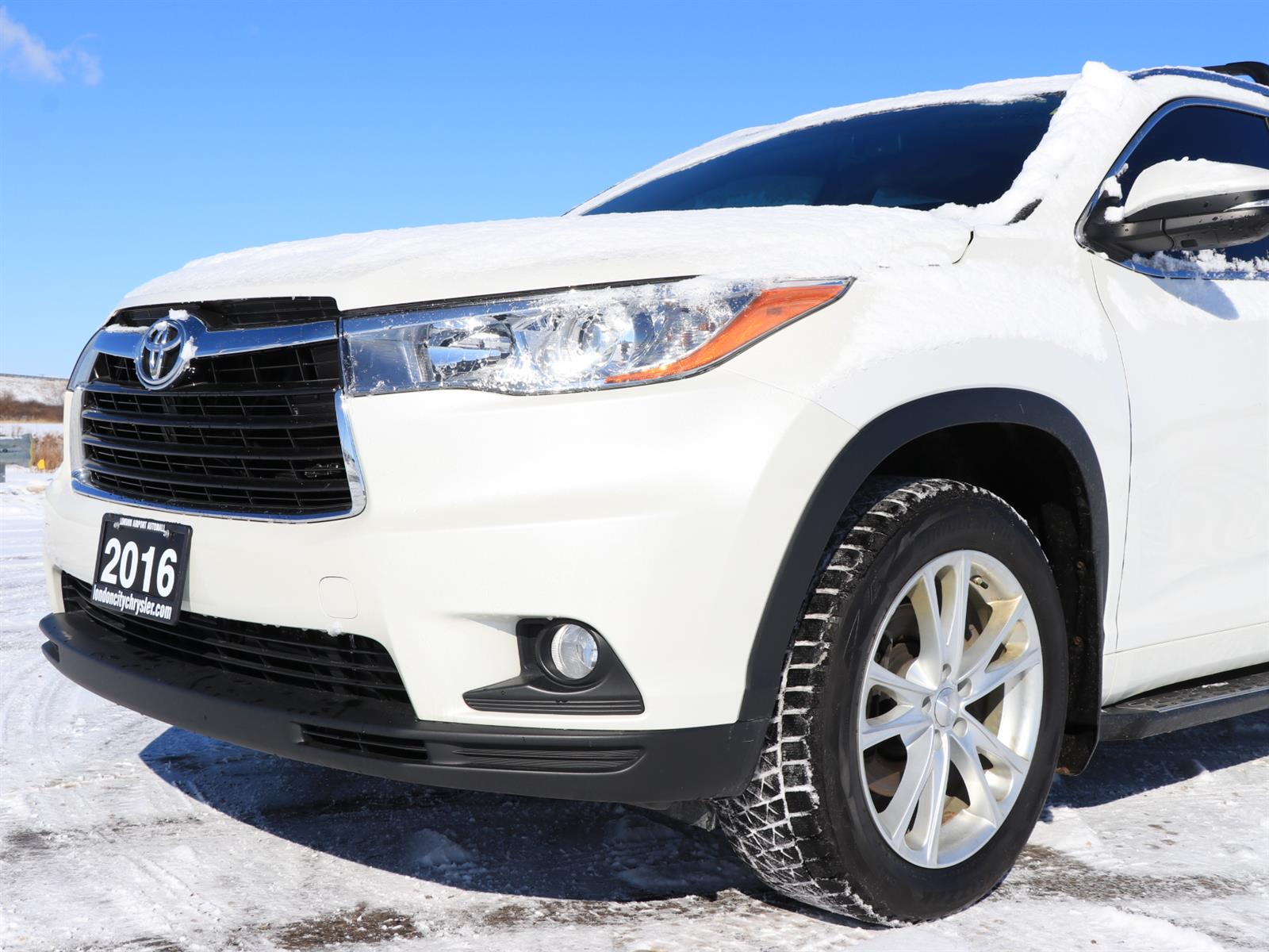 Used 2016 Toyota Highlander in London,ON