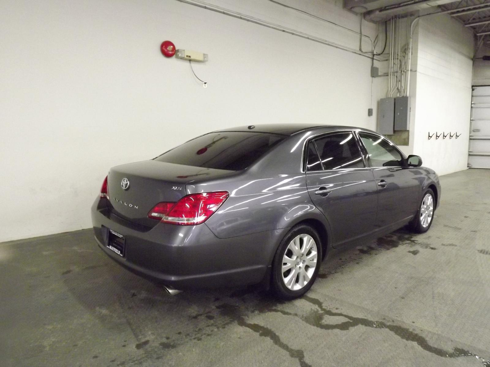 Used 2010 Toyota Avalon in Edmonton,AB