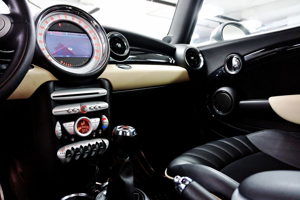 Used 2009 Mini John Cooper Works in North York,ON