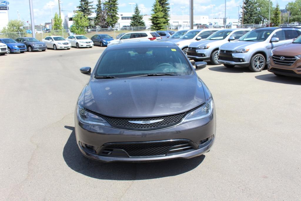 Used 2016 Chrysler 200 in Calgary,AB
