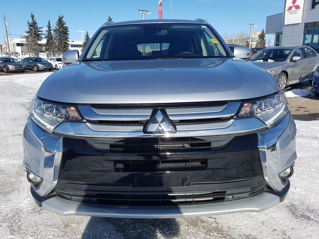 Used 2016 Mitsubishi Outlander in Calgary,AB