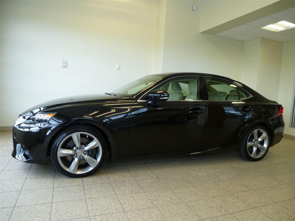 Used 2014 Lexus IS350 in North Bay,ON