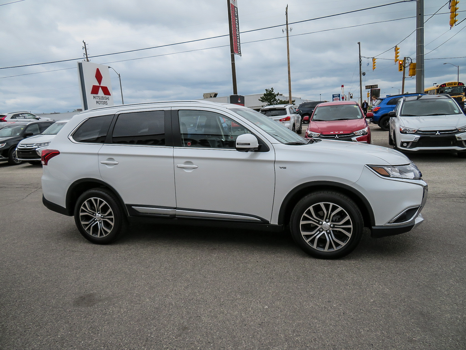 Used 2018 Mitsubishi Outlander in Scarborough,ON