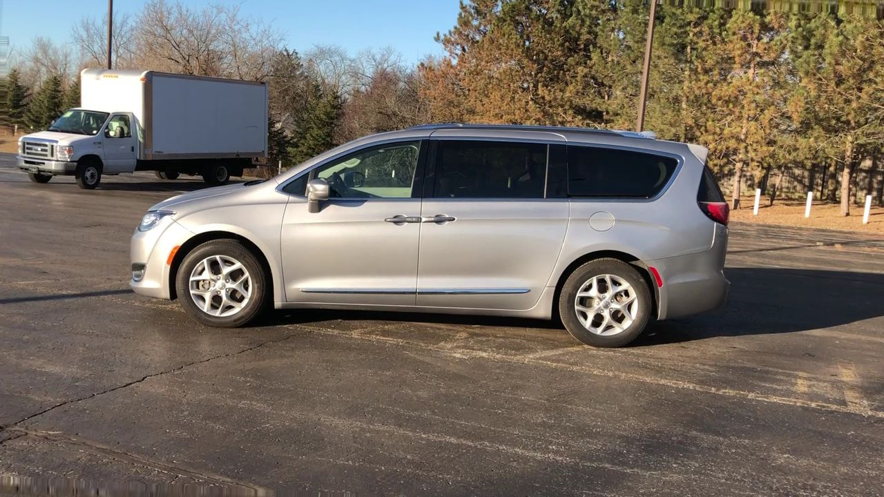 Used 2018 Chrysler PACIFICA TOURING-L PLUS FWD in Cayuga,ON