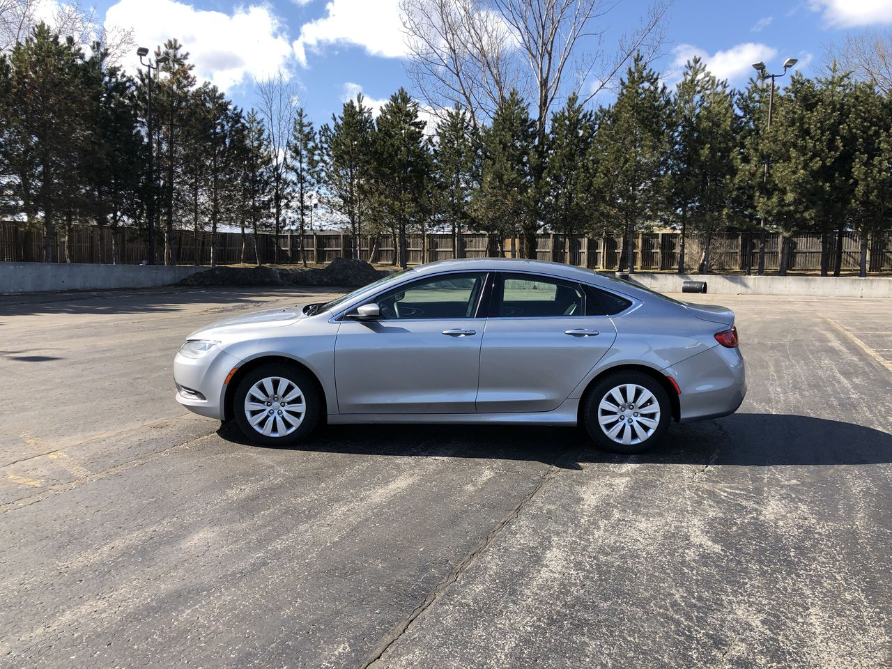 Used 2016 Chrysler 200 LX FWD in Cayuga,ON