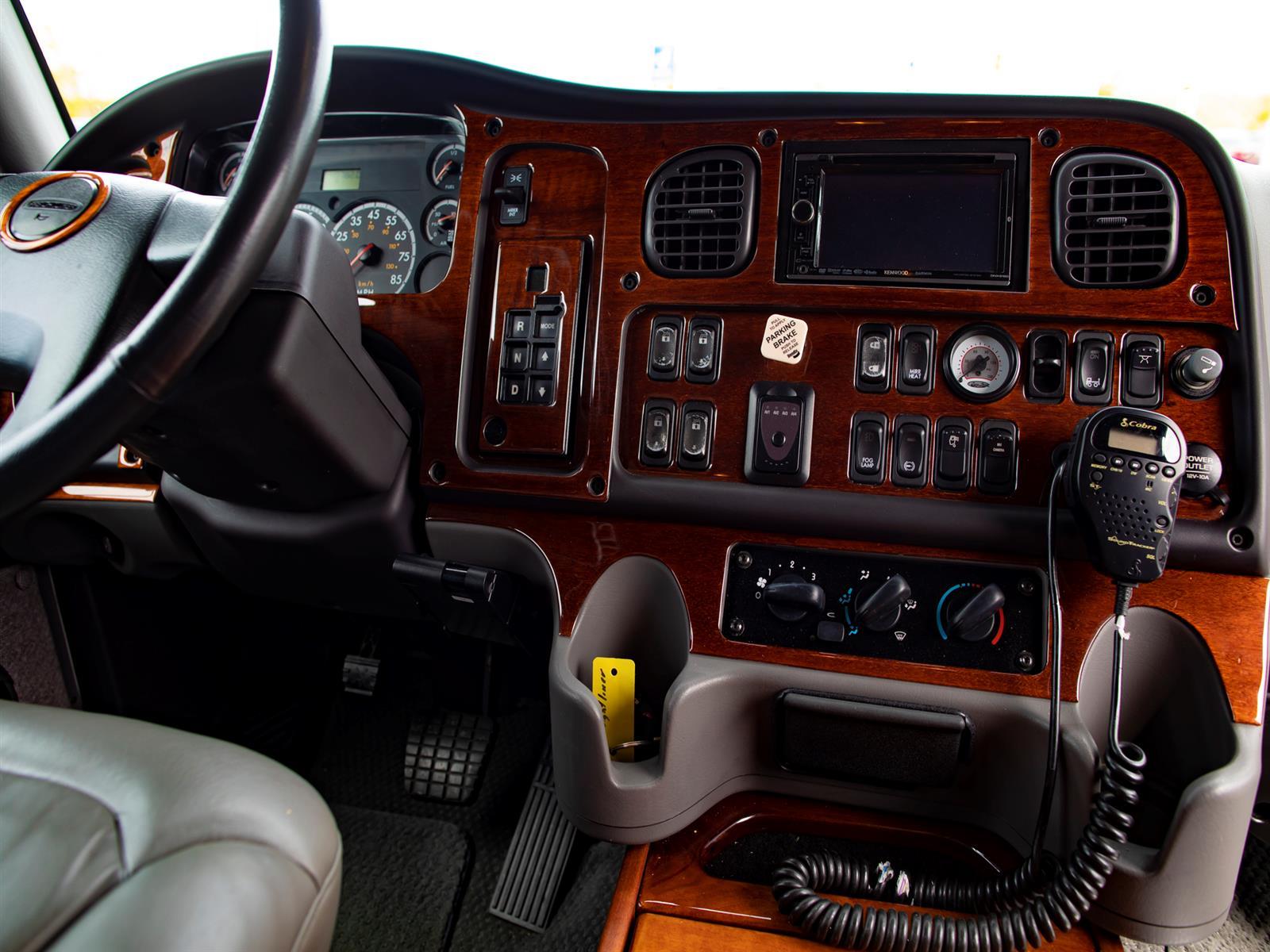 2005 Freightliner M2 Sport MS 106