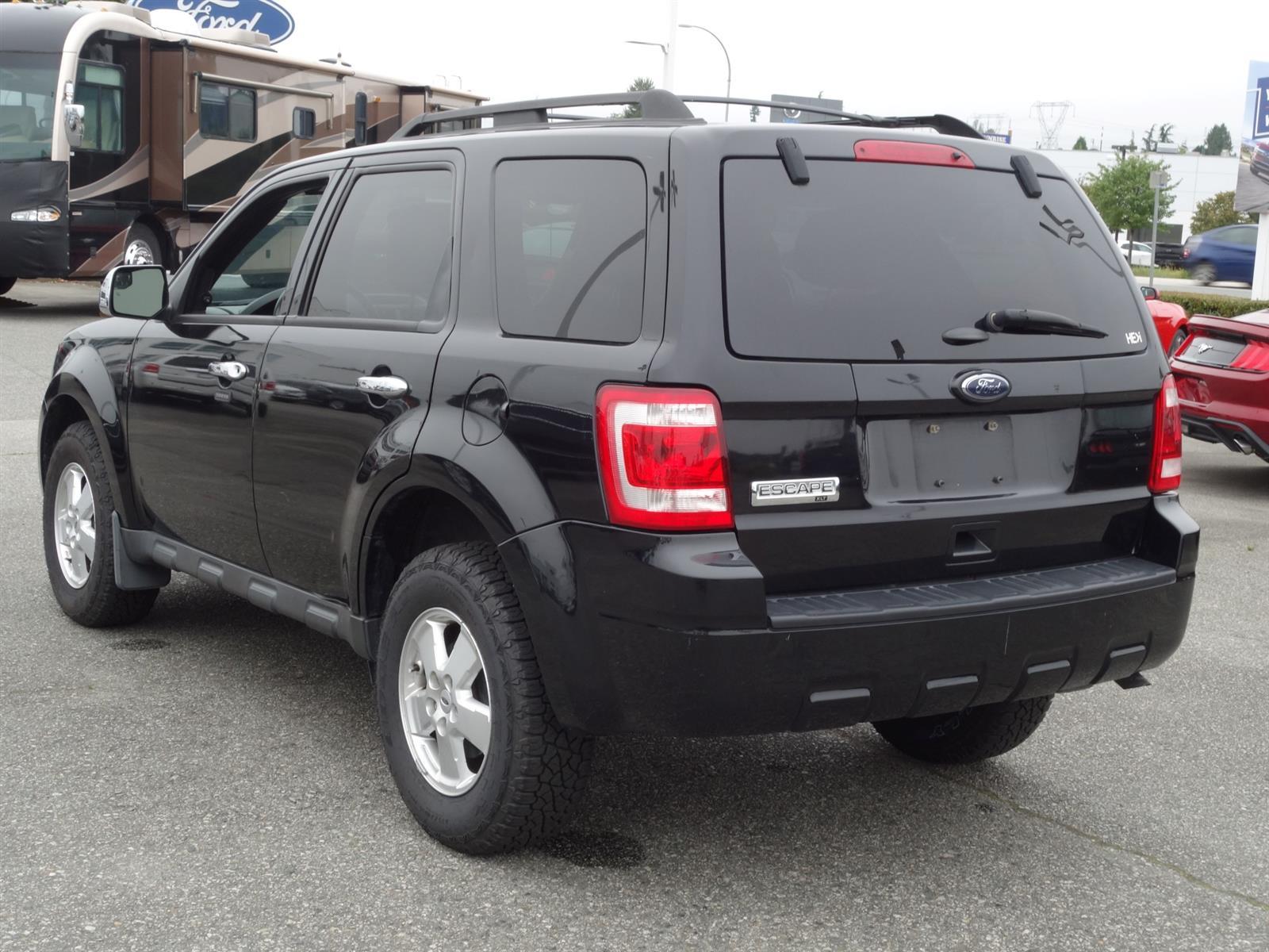 2011 Ford ESCAPE ESCAPE XLT