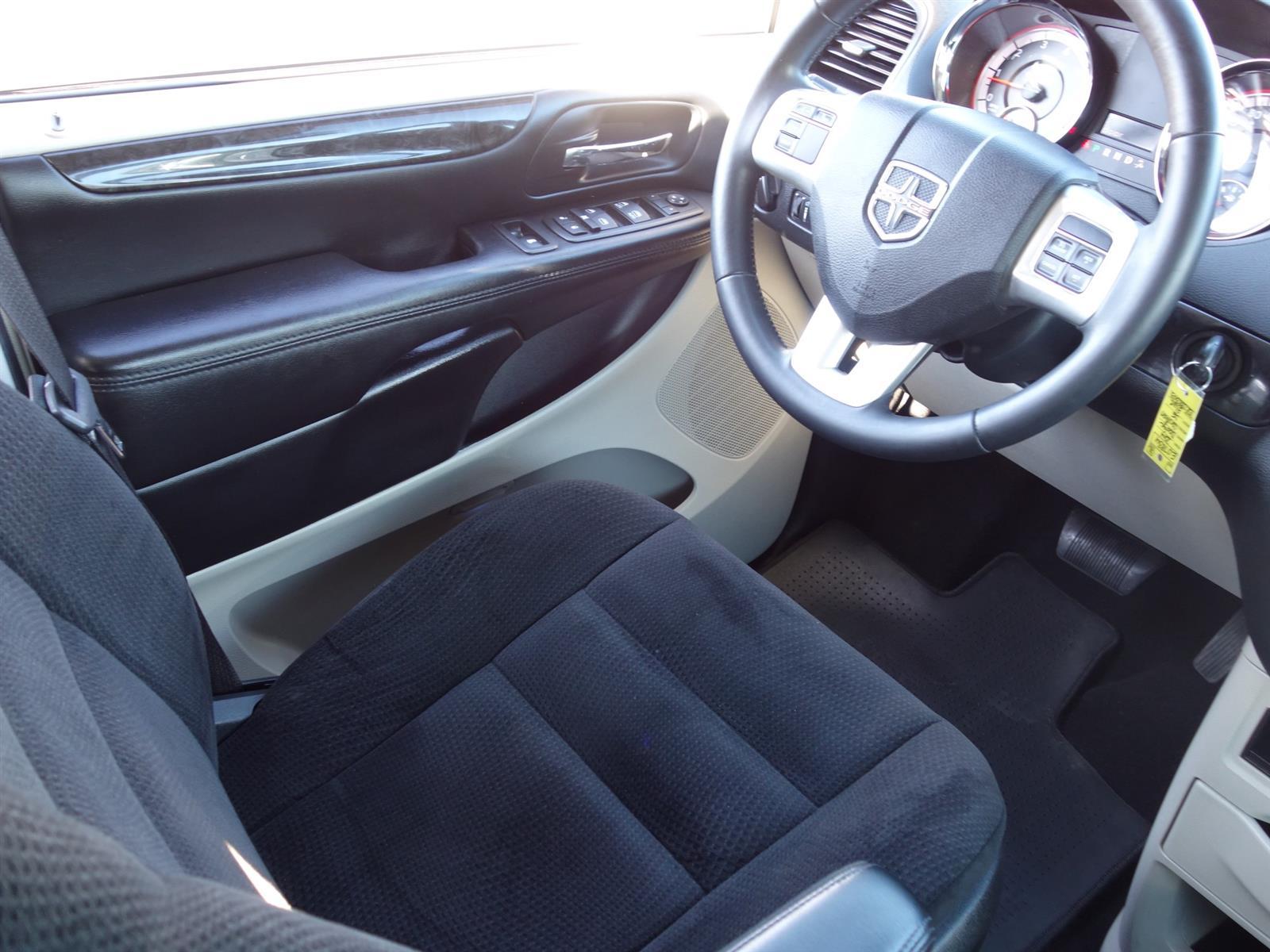 2014 Dodge CARAVAN GRAND CARAVAN SE