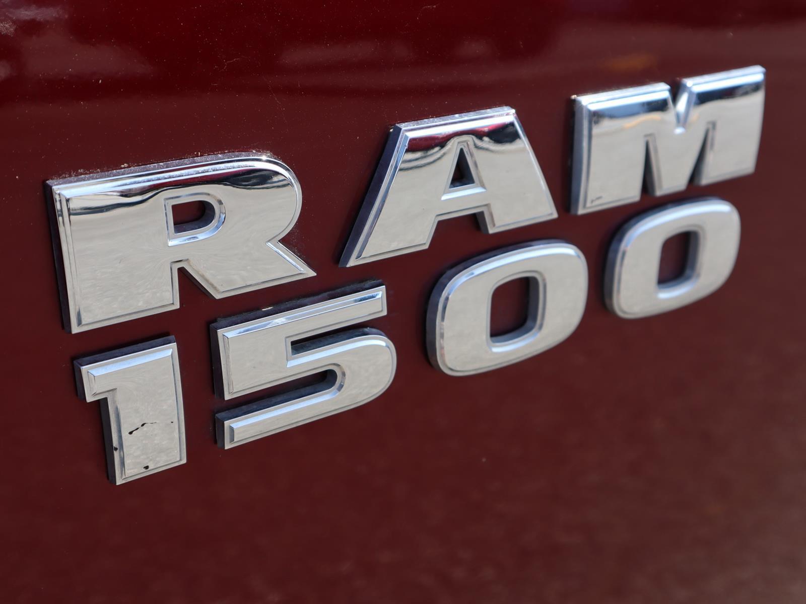 2016 RAM 1500 SPORT