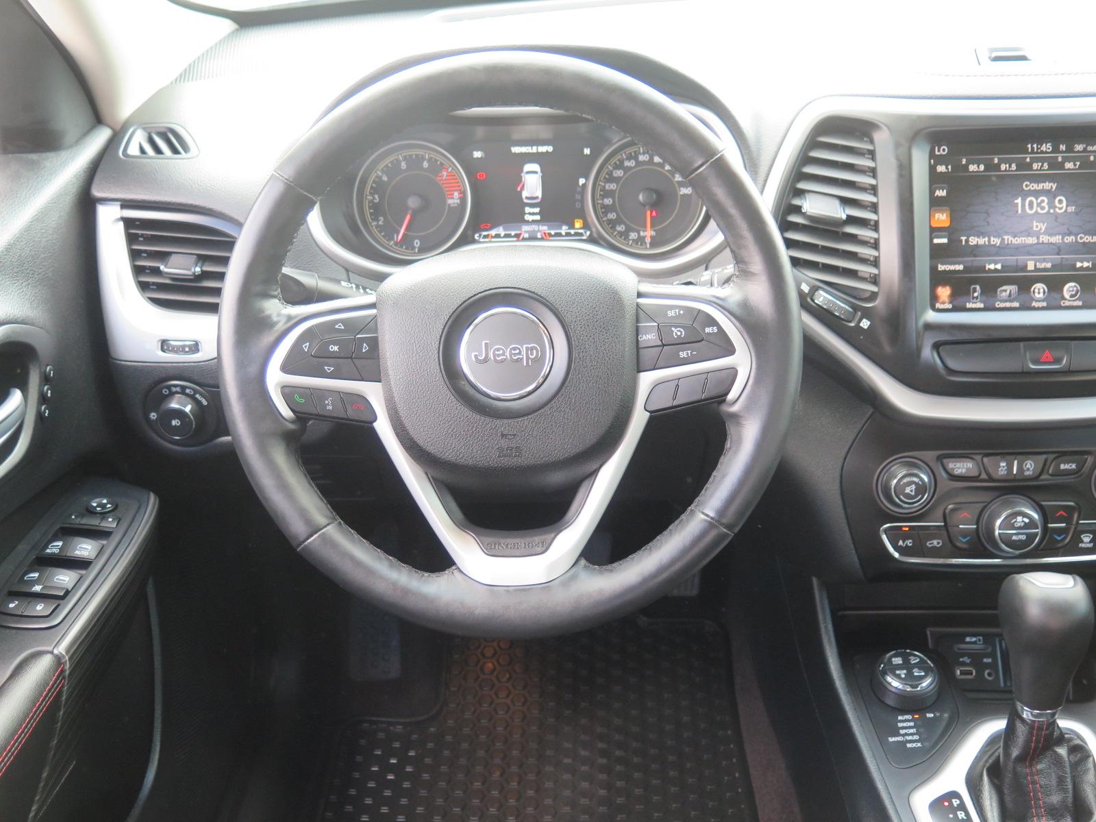 Used 2016 Jeep Cherokee , $33725