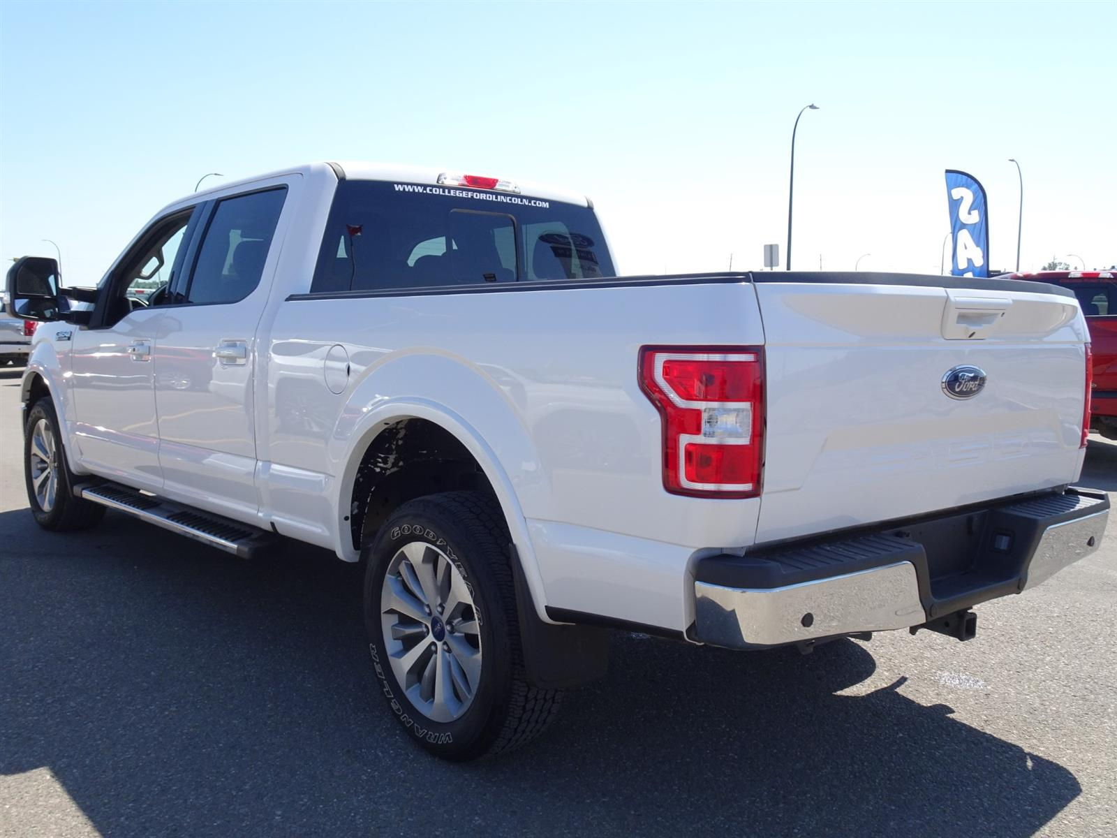 ford   lariat white platinum metallic tri coat   ecoboost college ford lincoln