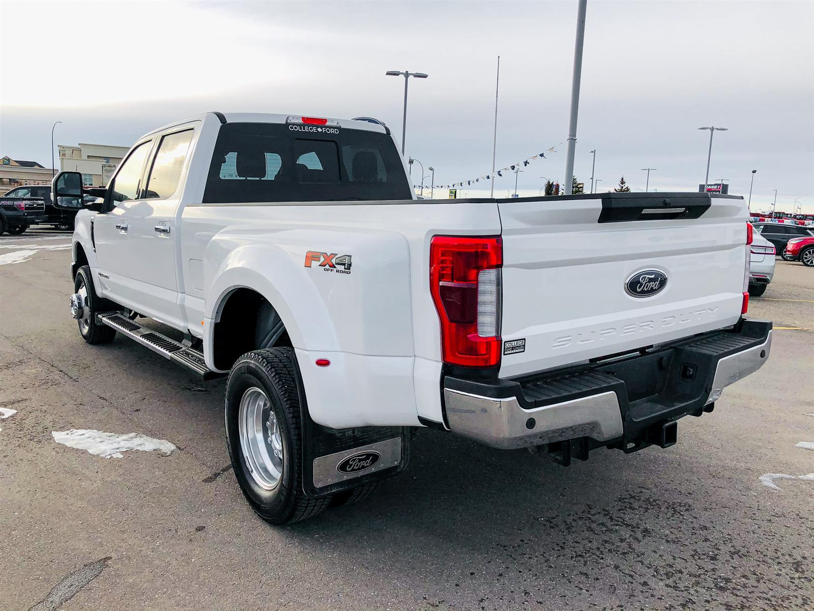 2019 Ford F-350 LARIAT DUALLY