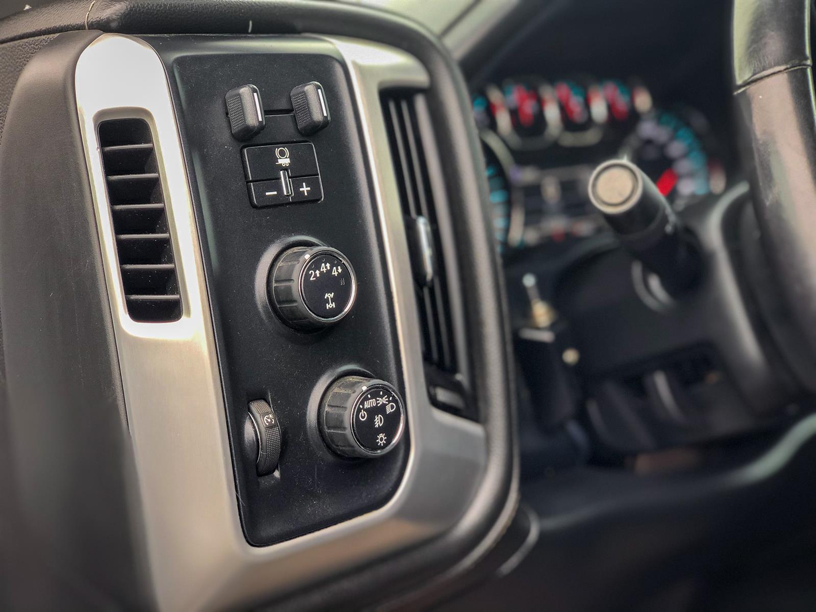 2017 GMC Sierra 2500 HD SLE | 6.0L V8 | 4X4 | POWERED/HEATED-SEATS | BACK-UP CAMERA