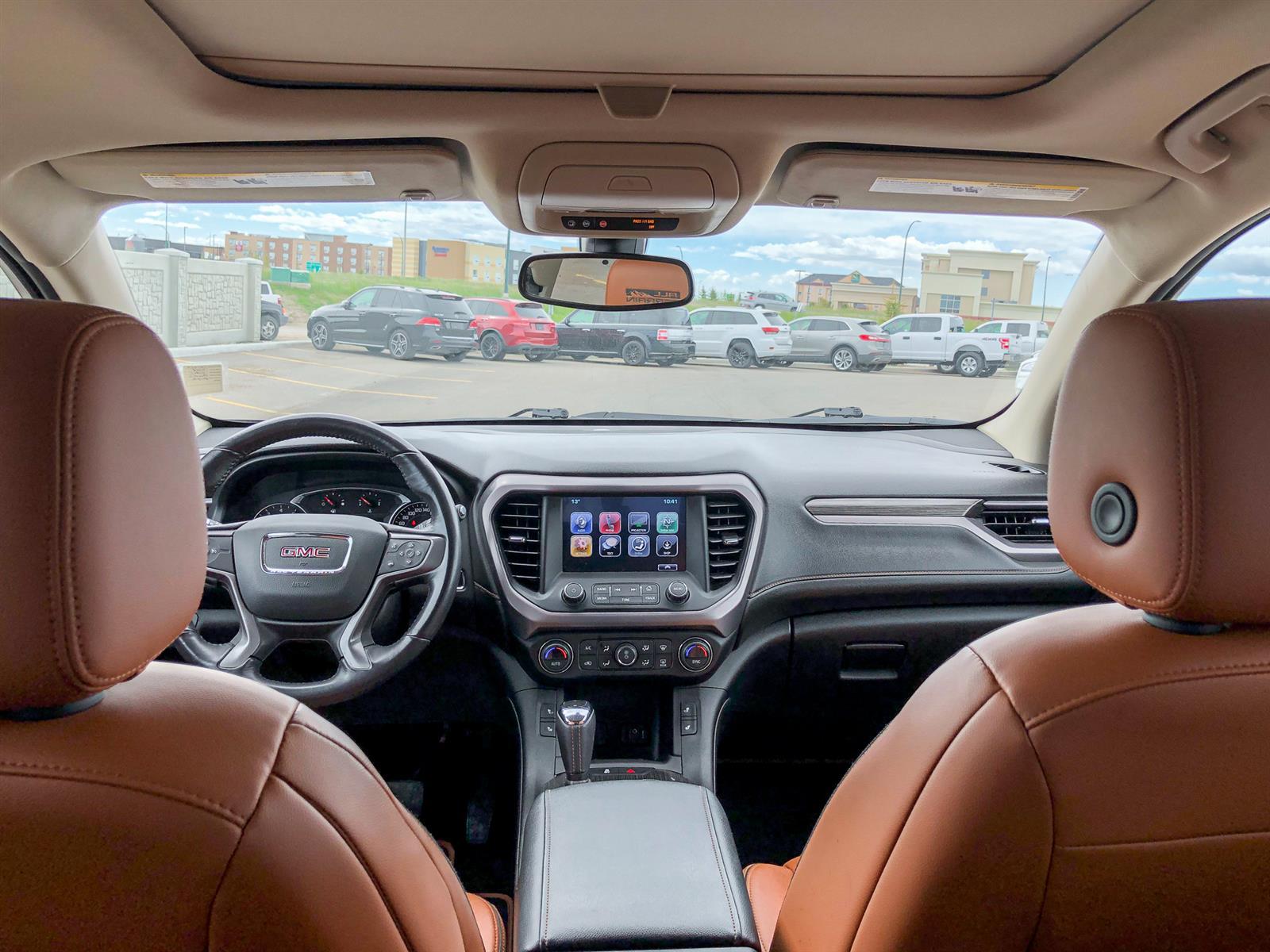 2018 GMC Acadia SLT | 3.6L V6 | AWD |  SUNROOF | POWERED/HEATED SEATS