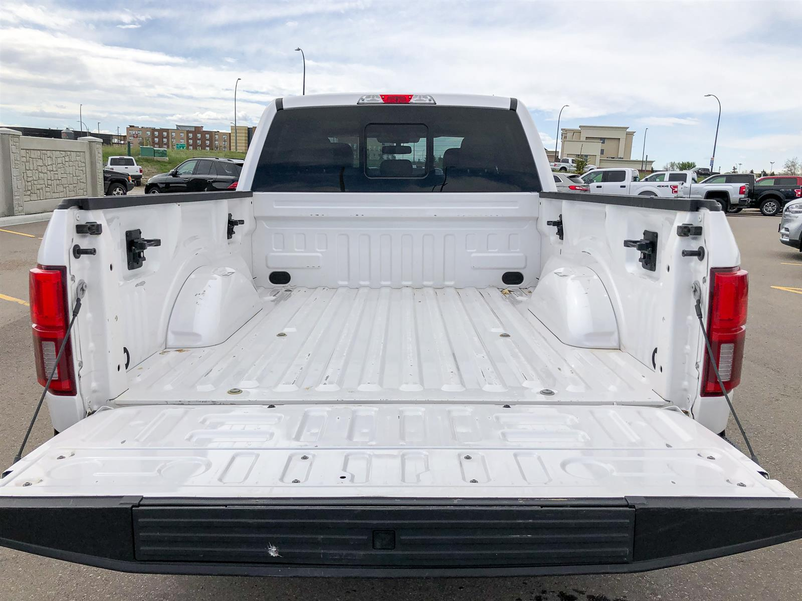 2019 Ford F-150 LARIAT   3.5L V6 ECOBOOST   4X4   MOONROOF   VOICE-ACTIVATED NAV