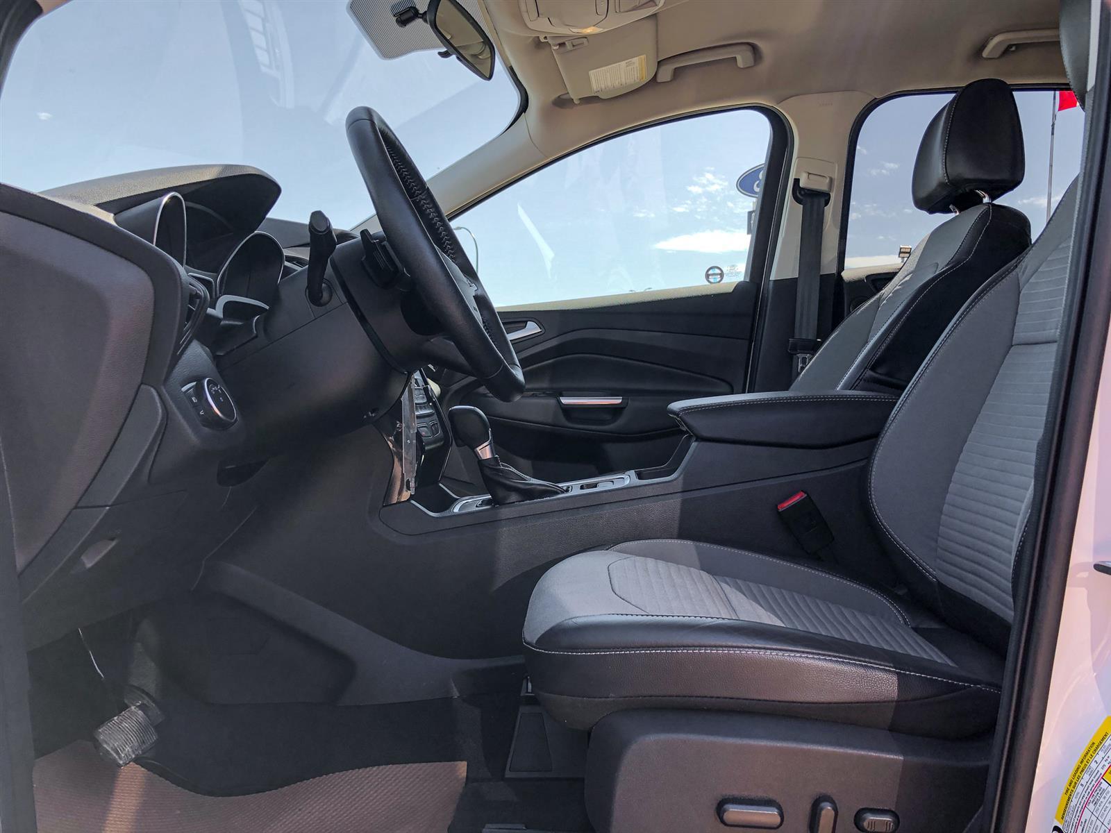 2017 Ford Escape SE | 2.0L ECOBOOST | 4WD | REVERSE CAMERA | TOUCH SCREEN NAV