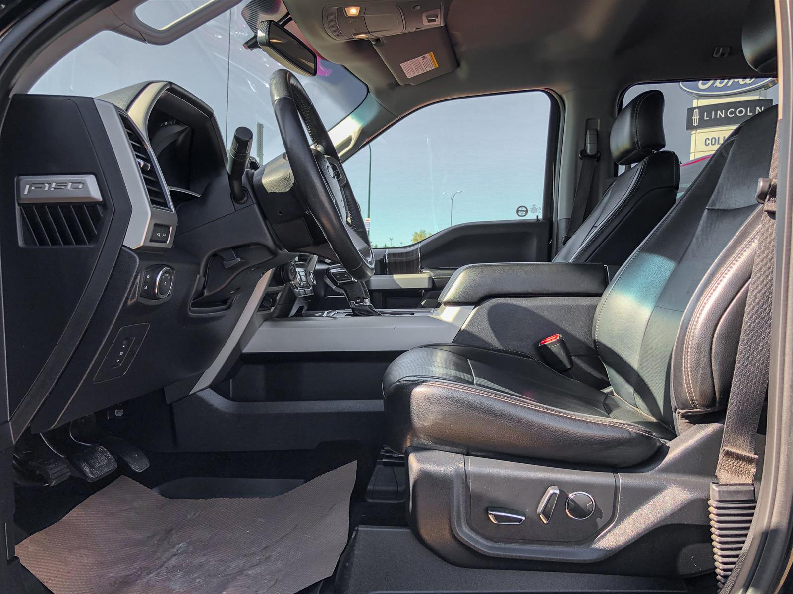2017 Ford F-150 LARIAT | 3.5L V6 ECOBOOST | 4X4 | MOONROOF | VOICE-ACTIVATED NAV