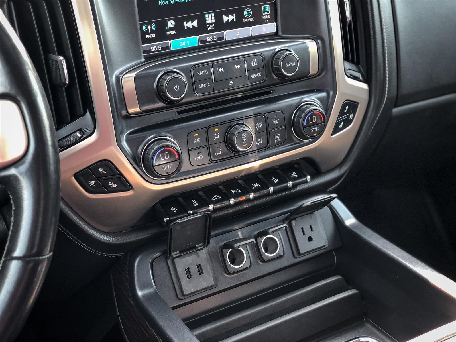 2018 GMC Sierra 1500 DENALI | 6.2L V8 | 4X4 | MOONROOF | HEATED/COOLED SEATS