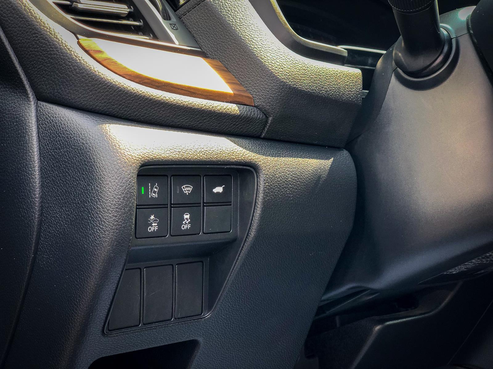 2017 Honda CR-V TOURING | 1.5L I-4 TURBO | AWD | LANE KEEP | REAR CAMERA