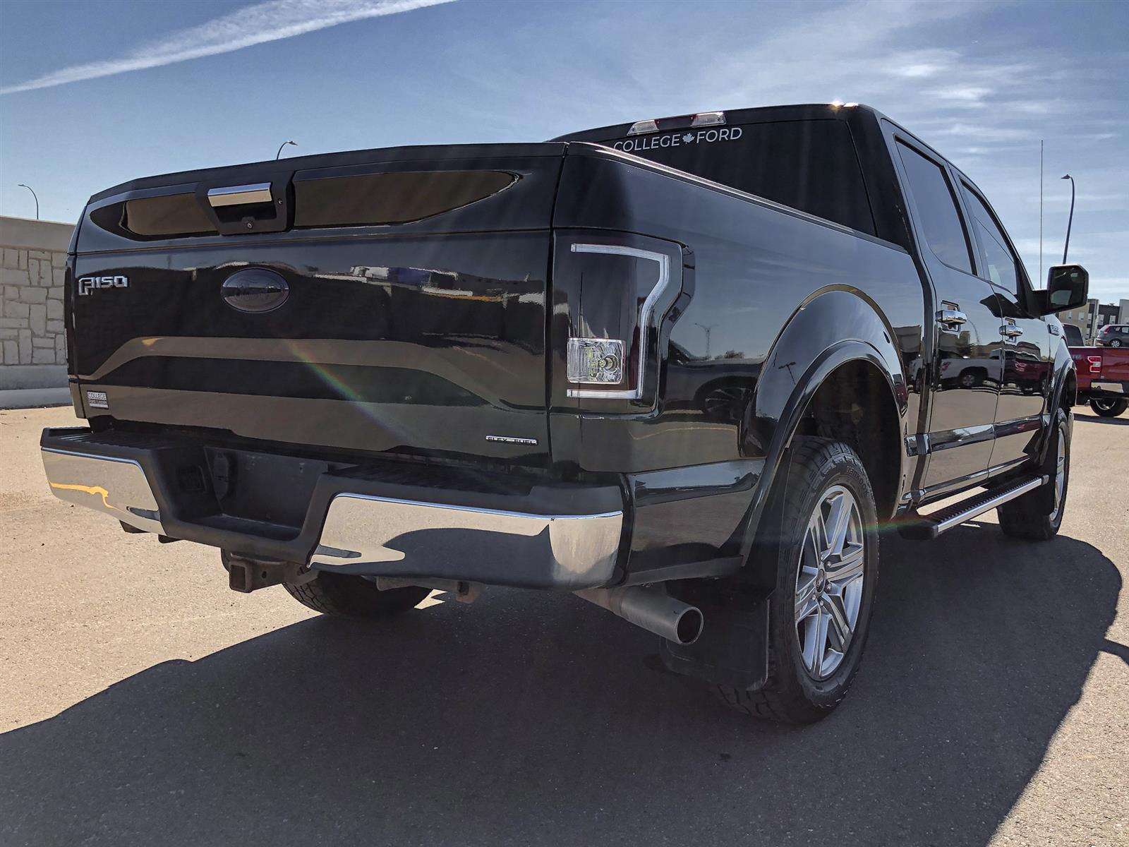 2016 Ford F-150 XLT | 5.0L V8 | 4X4 | TRAILER TOW PACKAGE | KEYLESS ENTRY