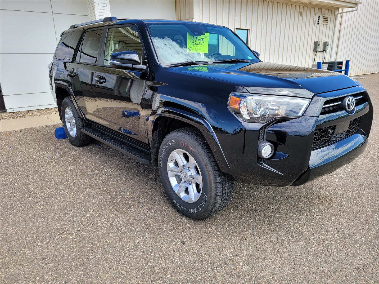 2020 Toyota 4Runner Call NOW! Base ! Leather! Low KMS! Hot Deal!