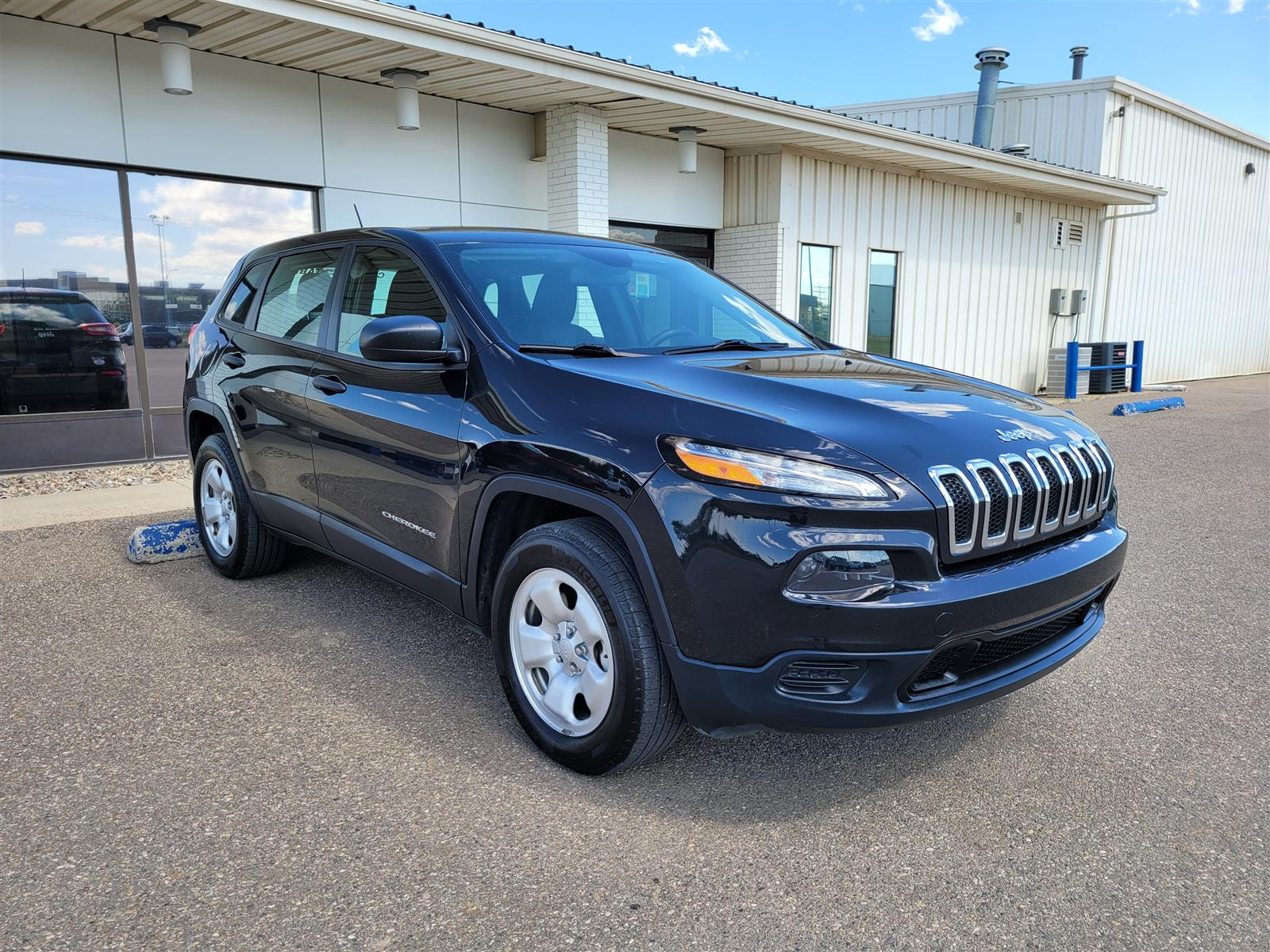 2015 Jeep Cherokee Sport! CALL NOW! New Trade!