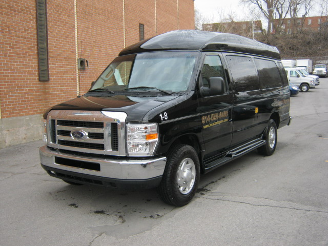 Ford  E350 8 Passagers 2013