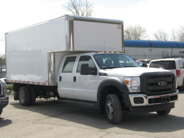 Ford  F-550 CREW 14 PIEDS CUBE 2015
