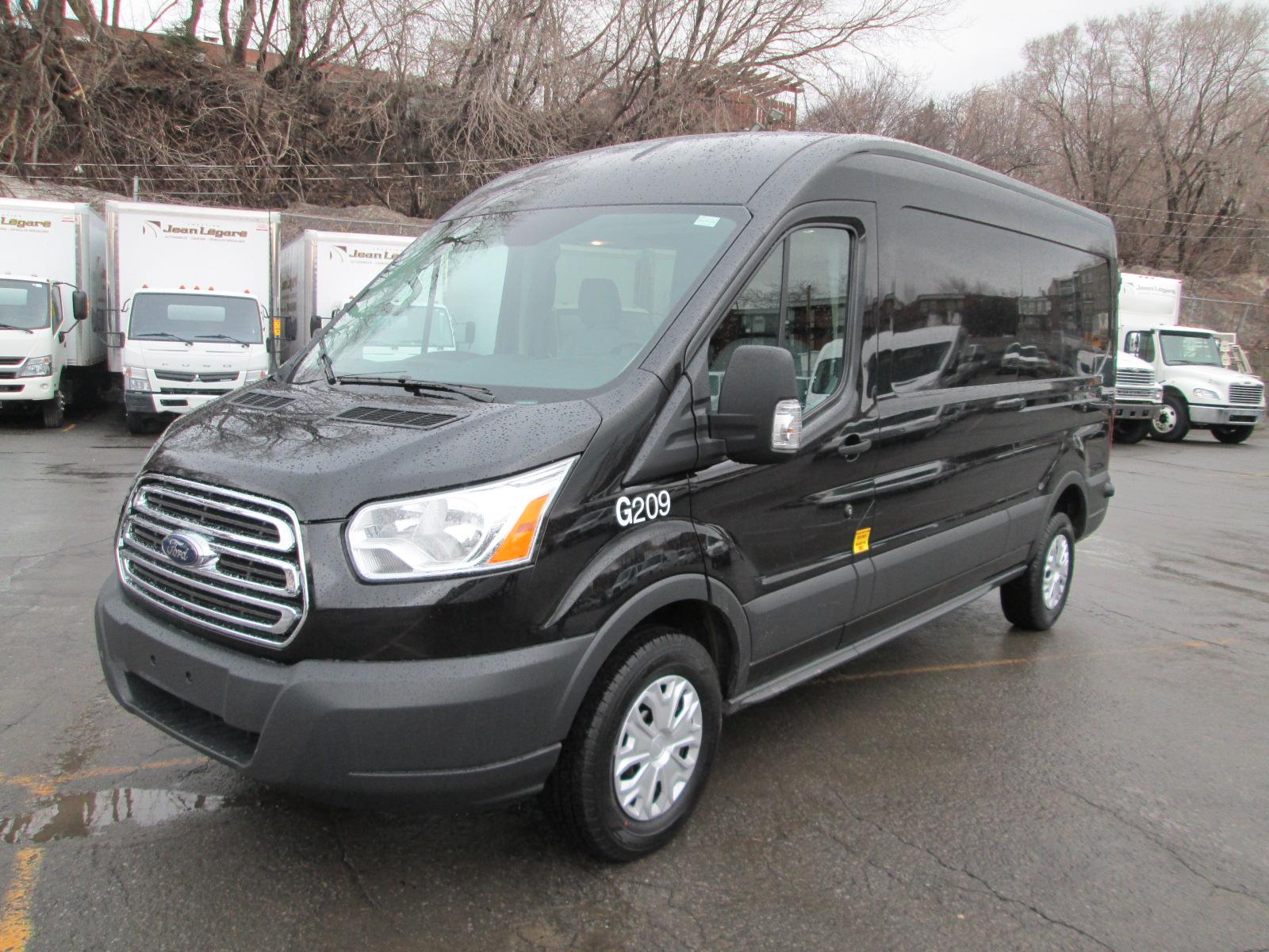 Ford  Transit T150 LONG TOIT MOYEN 2015