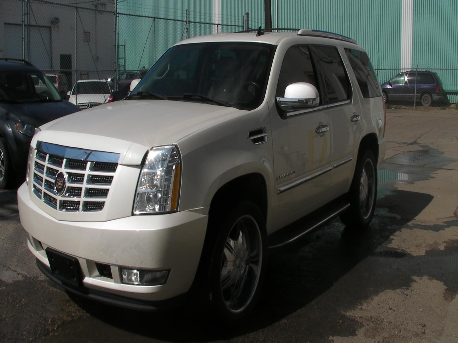 Used Car Lots Edmonton: 2007 Cadillac Escalade In Edmonton, Alberta, $26,990