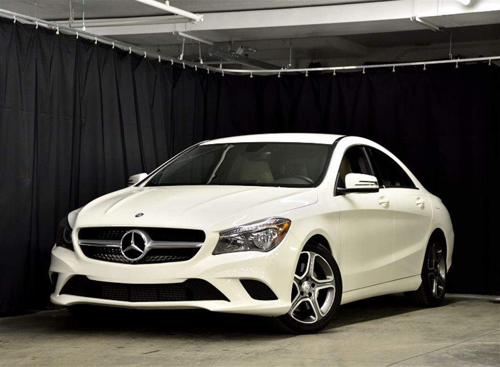 Mercedes benz b 250 4matic and cla 250 4matic snow class for 2015 mercedes benz cla class