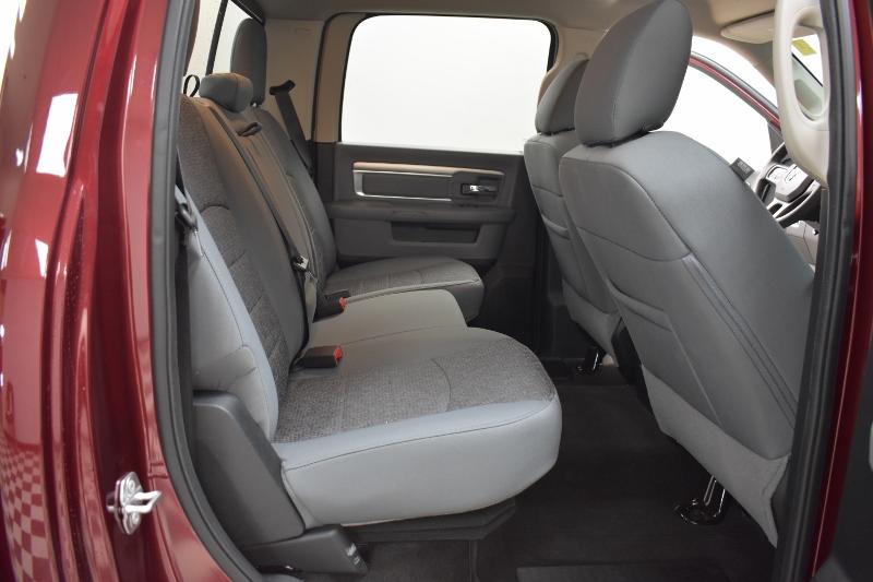 2017 Ram 1500 SLT CREW CAB 4X4-UCONNECT*BACKUP CAM*HEATED SEATS