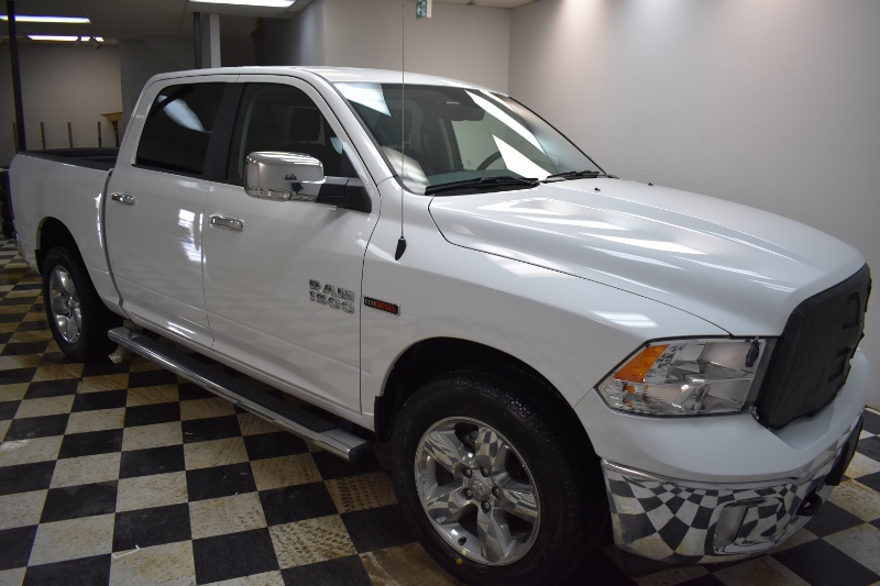 2017 Ram 1500 SLT CREW CAB 4X4-UCONNECT*BACKUP CAM*HEATED SEATS