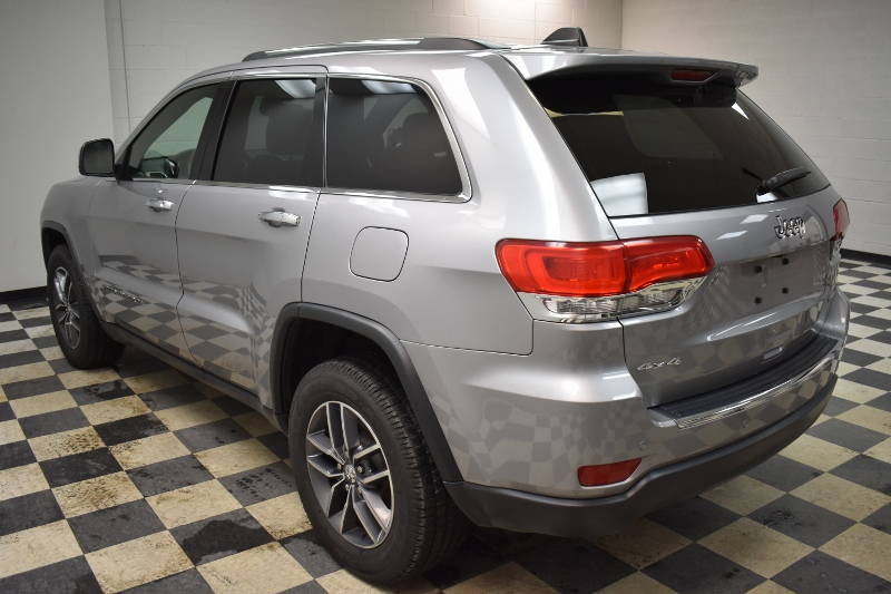 2017 Jeep Grand Cherokee LIMITED- UCONNECT * HEATED SEATS * LEATHER