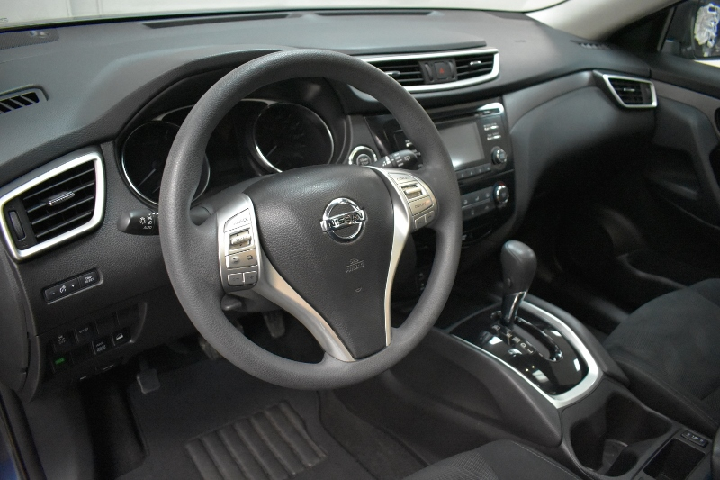 2015 Nissan Rogue SV AWD- BLUETOOTH * BACKUP CAM * HEATED SEATS