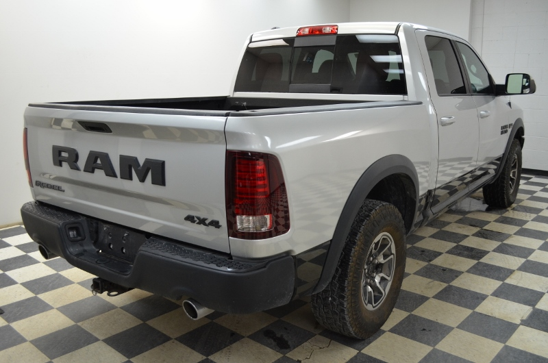 2016 Ram 1500 REBEL CREW 4X4- UCONNECT * BACKUP CAM * HEATED