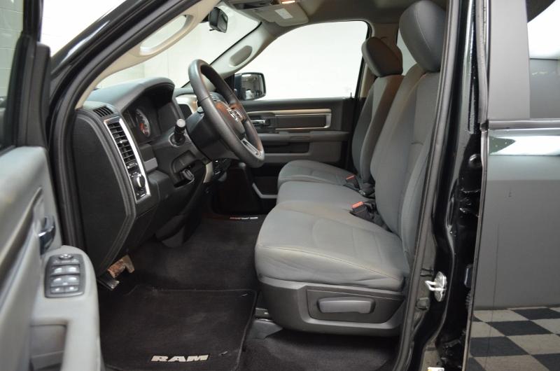 2015 Ram 1500 SLT QUAD CAB 4x4-UCONNECT * CRUISE * A/C