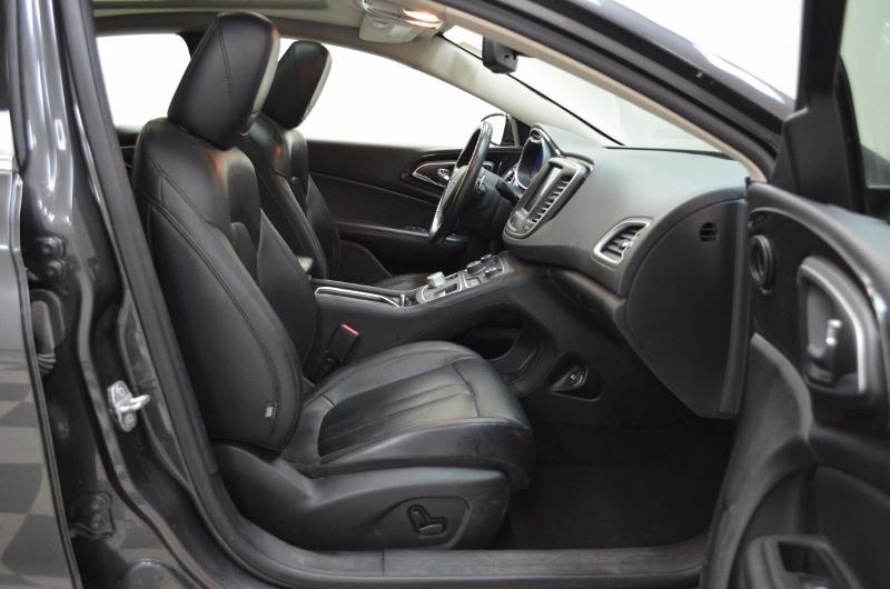 2015 Chrysler 200 C- UCONNECT * NAV * LEATHER