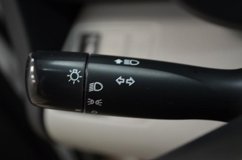 2012 Toyota RAV4 Base- SUNROOF * A/C * ALLOY RIMS