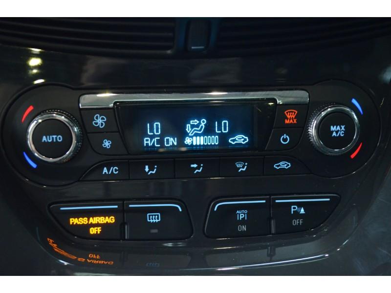 2016 Ford Escape Titanium-BLUETOOTH * LEATHER * NAV
