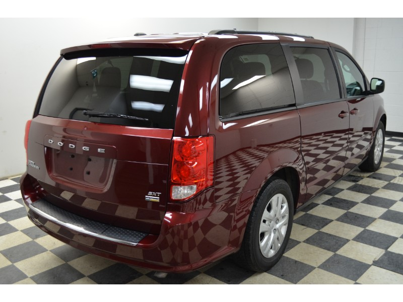 2017 Dodge Grand Caravan SXT - UCONNECT * A/C * FULL STOW N GO