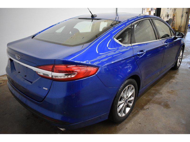 2017 Ford Fusion SE - BACKUP CAM * BLUETOOTH * SUNROOF