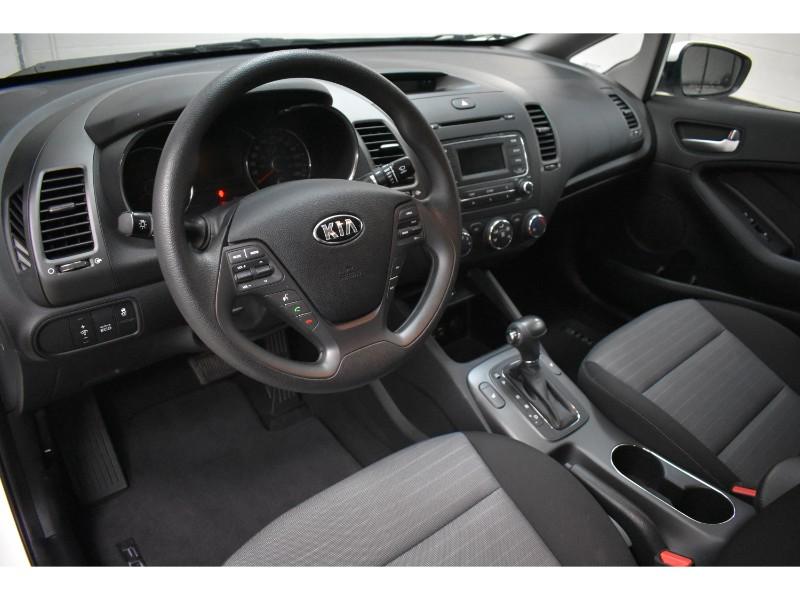 2015 Kia Forte 1.8L LX +- BLUETOOTH * SAT RADIO * HEATED SEATS