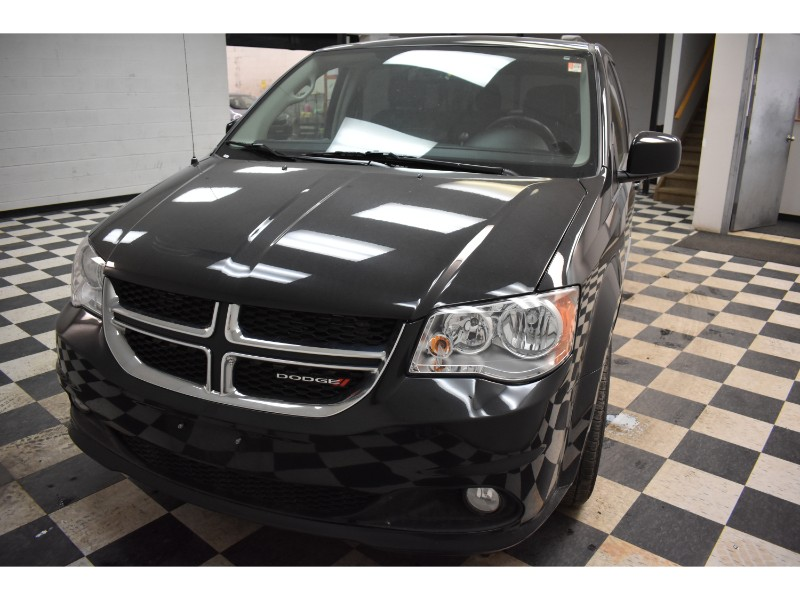 2017 Dodge Grand Caravan Crew-UCONNECT * LEATHER * HEATED SEATS
