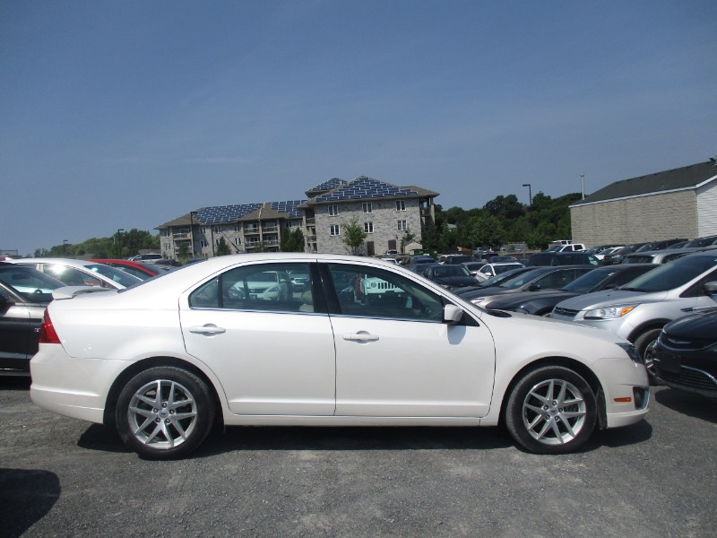 2012 Ford Fusion SEL - SUN ROOF * CRUISE * HEATED SEATS