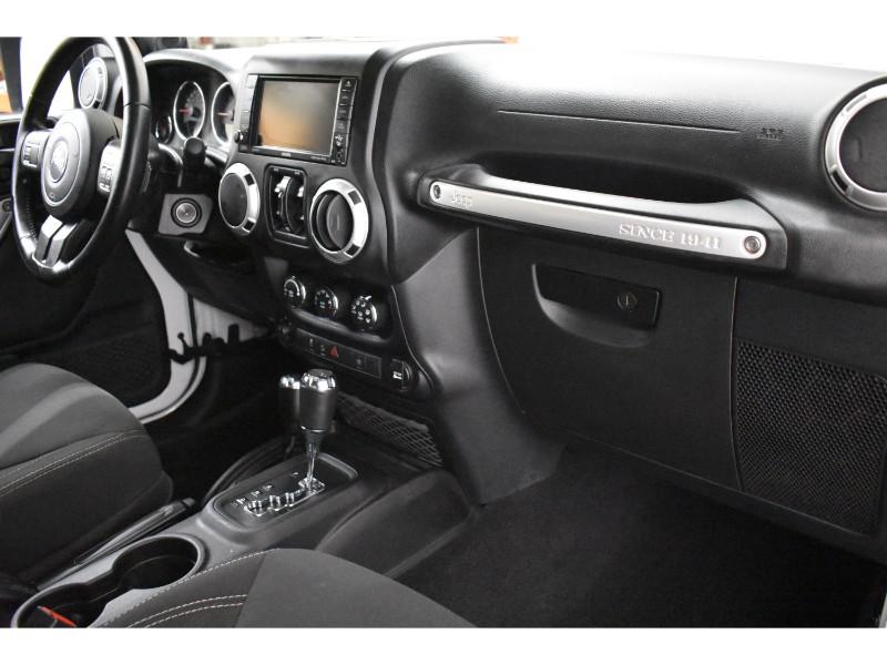 2014 Jeep Wrangler LIMITED SAHARA 4X4 - UCONNECT * SAT RADIO* CRUISE