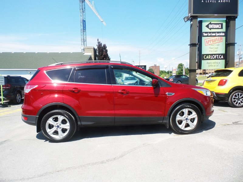 2015 Ford Escape SE- NAV * BACKUP CAM * HEATED SEATS